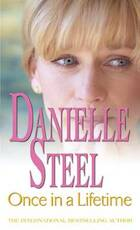 Once in a Lifetime - Danielle Steel (ISBN 9780751542387)