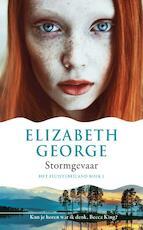 Het Fluistereiland 1 : Stormgevaar - Elizabeth George (ISBN 9789400505742)