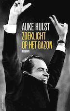 Zoeklicht op het gazon - Auke Hulst (ISBN 9789026333491)