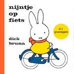 nijntje op fiets in t grunnegers - Dick Bruna (ISBN 9789056154318)