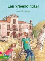 Een vreemd hotel - Joke de Jonge (ISBN 9789048732166)