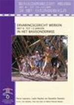 Ervaringsgericht werken met 6- tot 12-jarigen in het basisonderwijs - Ferre Laevers, Ludo Heylen, Daniëlle Daniels, Els Herbots (ISBN 9789074798983)