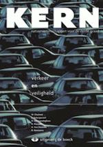 Kern thema Verkeer en veiligheid - leerboek - Marleen Chalmet, Rudi Goossens, Karel Pauwels, Hugo Van Landeghem, Luc Scherpereel (ISBN 9789045514215)