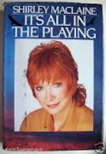 It's all in the playing - Shirley Maclaine (ISBN 9780553052176)