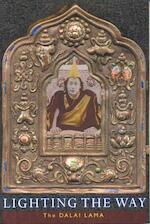 Lighting the way - Dalai Lama (ISBN 9781559392280)