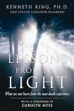 Lessons from the Light - Kenneth Ring, Evelyn Elsaesser Valarino (ISBN 9781930491113)