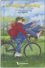 de olijke tweeling Gaat stunten - A. Peters ; A.M. Peters (ISBN 9789060568415)