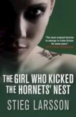 The girl who kicked the hornets' nest - Stieg Larsson (ISBN 9781906694166)