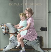 Royal Childhood - Anna Reynolds, Lucy Peter (ISBN 9781909741119)