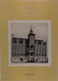 Het neogotische stadhuis - Danny Lannoy